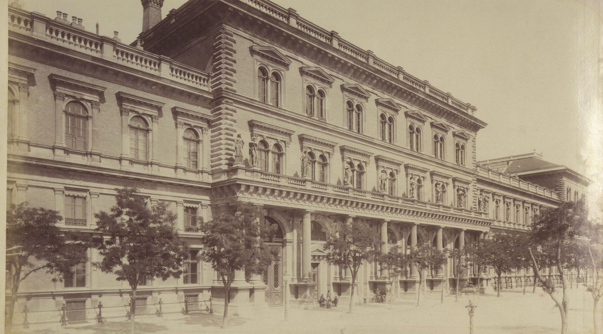 régi egyetem