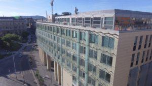C épület
