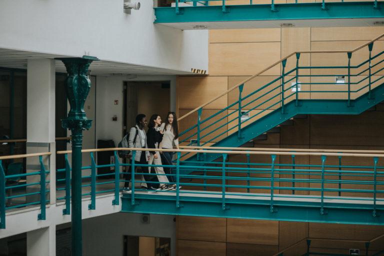 Megújuló szakok, gyakorlati fókusz, nemzetközileg versenyképes egyetem
