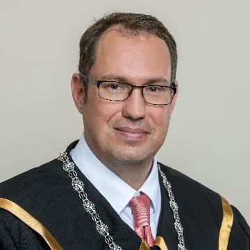 Dr. Csicsmann László
