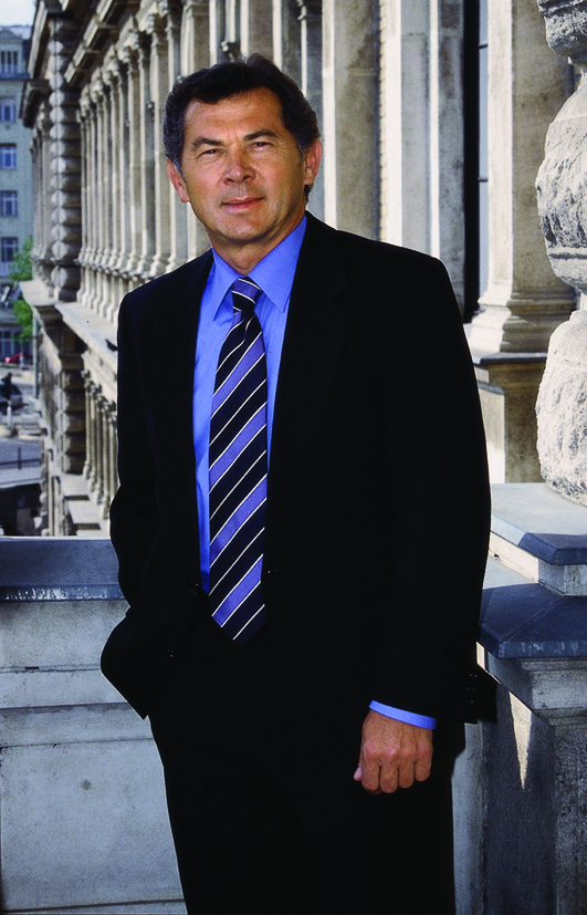 Dr. Dobák Miklós