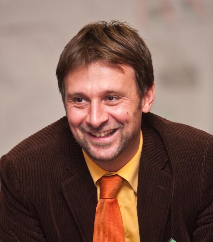Dr. Duma László