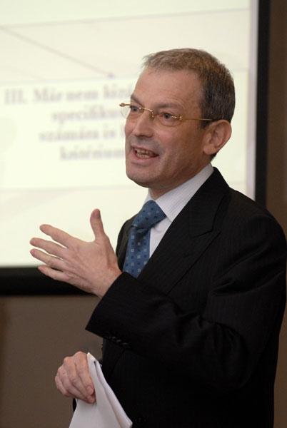 Dr. Gál Péter
