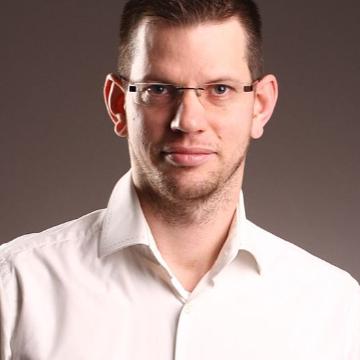 dr. Kádár Krisztián