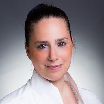 Dr. Köves Alexandra