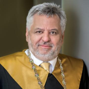 Dr. Lánczi András
