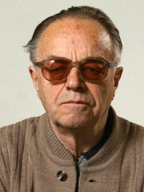 Dr. Meszéna György