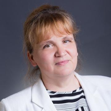 dr. Mikáczó Éva