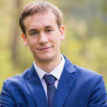 dr. Sárvári Balázs