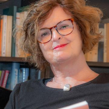 Dr. Szabó Júlia (Sipos Júlia)