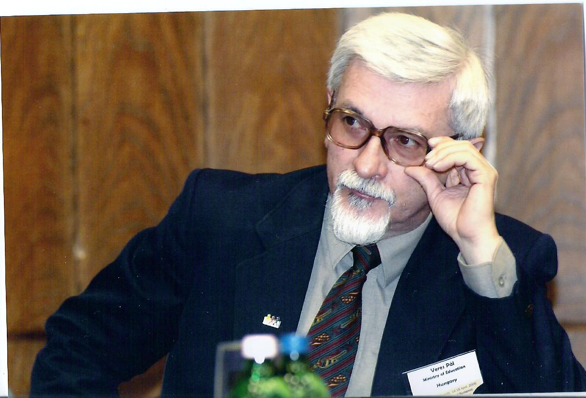 Dr. Veres Pál